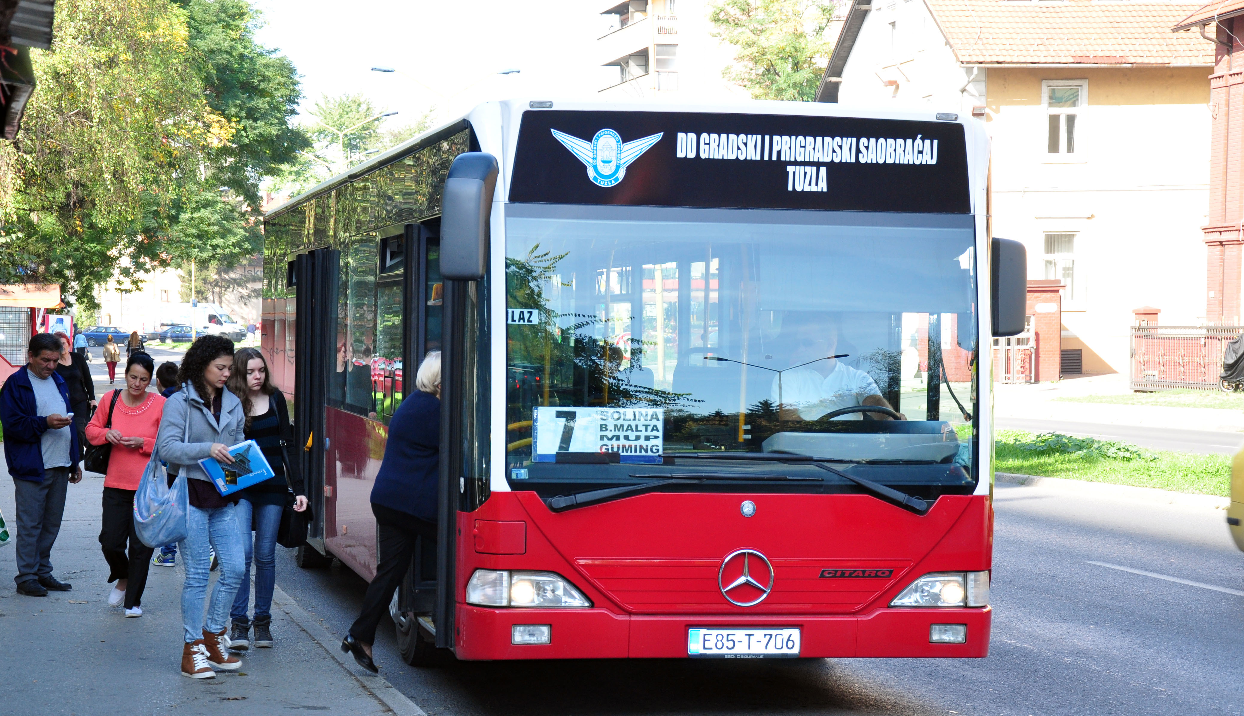 Autobus-8